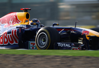 SUZUKA, JAPAN - OCTOBER 09:  Sebastian Vettel of Germany and Red Bull Racing drives during the Japanese Formula One Grand Prix at Suzuka Circuit on October 9, 2011 in Suzuka, Japan.  (Photo by Clive Mason/Getty Images)