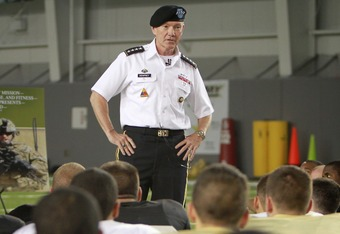 General Dempsey speaking to Army football team. (Courtesy USMA)