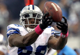 ARLINGTON, TX - OCTOBER 02:  Dez Bryant #88 of the Dallas Cowboys makes a catch during the second half against the Detroit Lions at Cowboys Stadium on October 2, 2011 in Arlington, Texas.  (Photo by Ronald Martinez/Getty Images)