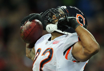 LONDON, ENGLAND - OCTOBER 23:  Matt Forte #22 of the Chicago Bears celebrates scoring a touchdown  during the NFL International Series match between Chicago Bears and Tampa Bay Buccaneers at Wembley Stadium on October 23, 2011 in London, England. This is