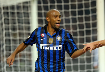 MILAN, ITALY - OCTOBER 29:  Maicon of FC Inter Milan celebrates scoring the first goal during the Serie A match between FC Internazionale Milano and Juventus FC at Stadio Giuseppe Meazza on October 29, 2011 in Milan, Italy.  (Photo by Claudio Villa/Getty