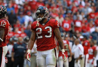 HOUSTON, TX - OCTOBER 30:   Arian Foster #23 of the Houston Texans at Reliant Stadium on October 30, 2011 in Houston, Texas.  (Photo by Ronald Martinez/Getty Images)