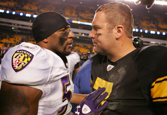 PITTSBURGH, PA - NOVEMBER 06:  Ben Roethlisberger #7 of the Pittsburgh Steelers talks with Ray Lewis #52 of the Baltimore Ravens following the Ravens win on November 6, 2011 at Heinz Field in Pittsburgh, Pennsylvania.  (Photo by Jared Wickerham/Getty Imag