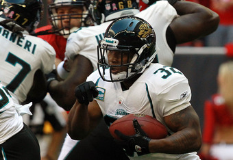 HOUSTON, TX - OCTOBER 30:  Maurice Jones-Drew #32 of the Jacksonville Jaguars at Reliant Stadium on October 30, 2011 in Houston, Texas.  (Photo by Ronald Martinez/Getty Images)