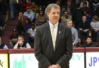 Iona Head Coach Tim Cluess (K. Kraetzerr)