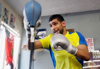 HOLLYWOOD, CA - NOVEMBER 15:  Amir Khan of England trains at the Wild Card Boxing Club ahead of his world title defense against Lamont Peterson on November 15, 2011 in Hollywood, California.  (Photo by Jeff Gross/Getty Images)