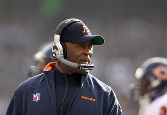 OAKLAND, CA - NOVEMBER 27:  Chicago Bears head coach Lovie Smith walks the sidelines during their game against the Oakland Raiders at O.co Coliseum on November 27, 2011 in Oakland, California.  (Photo by Ezra Shaw/Getty Images)