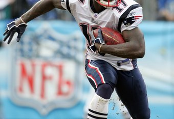 NASHVILLE, TN - DECEMBER 31: Chad Jackson #17 of the New England Patriots carries the ball during the NFL game against the Tennessee Titans on December 31, 2006 at LP Field in Nashville, Tennessee. (Photo by Andy Lyons/Getty Images)
