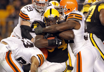 Rashard Mendenhall runs into some trouble against the Browns.