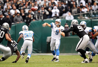 OAKLAND, CA - DECEMBER 18:  Matthew Stafford #9 of the Detroit Lions in action against the Oakland Raiders at O.co Coliseum on December 18, 2011 in Oakland, California.  (Photo by Ezra Shaw/Getty Images)