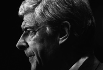 BIRMINGHAM, ENGLAND - DECEMBER 21: Arsene Wenger of Arsenal looks on during the barclays Premier League match between Aston Villa and Arsenal at Villa Park on December 21, 2011 in Birmingham, England.  (Photo by Laurence Griffiths/Getty Images)