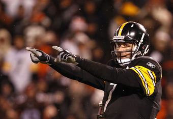 CLEVELAND, OH - JANUARY 01: Quarterback Ben Roethlisberger #7 of the Pittsburgh Steelers calls a play against the Cleveland Browns at Cleveland Browns Stadium on January 1, 2012 in Cleveland, Ohio. (Photo by Matt Sullivan/Getty Images)