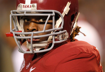 TUSCALOOSA, AL - NOVEMBER 05:  Trent Richardson #3 of the Alabama Crimson Tide watches on before their game against the LSU Tigers at Bryant-Denny Stadium on November 5, 2011 in Tuscaloosa, Alabama.  (Photo by Streeter Lecka/Getty Images)