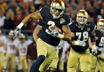 ORLANDO, FL - DECEMBER 29: Wide receiver Michael Floyd #3 of the Notre Dame Fight Irish runs upfield against the Florida State Seminoles in the Champs Sports Bowl December 29, 2011 at the Florida Citrus Bowl in Orlando, Florida.  FSU won 18 - 14. (Photo b