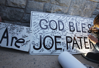 STATE COLLEGE, PA - NOVEMBER 12:   Penn State fans leave notes for Joe Paterno outside Beaver Stadium after the Penn State vs. Nebraska NCAA football game in the wake of the Jerry Sandusky scandal on November 12, 2011 in State College, Pennsylvania.  Penn
