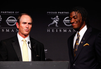 NEW YORK, NY - DECEMBER 10:  (L-R) Coach Art Briles and Heisman Memorial Trophy Award winner Robert Griffin III of the Baylor Bears speak at a press conference at The New York Marriott Marquis on December 10, 2011 in New York City.  (Photo by Jeff Zelevan
