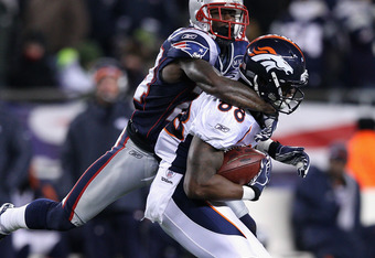 FOXBORO, MA - JANUARY 14:  Demaryius Thomas #88 of the Denver Broncos makes a reception against Kyle Arrington #24 of the New England Patriots during their AFC Divisional Playoff Game at Gillette Stadium on January 14, 2012 in Foxboro, Massachusetts.  (Ph