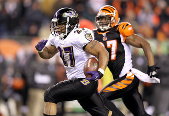 CINCINNATI, OH - JANUARY 01:  Ray Rice #27 of the Baltimore Ravens runs for a touchdown during the NFL game against  the Cincinnati Bengals at Paul Brown Stadium on January 1, 2012 in Cincinnati, Ohio.  (Photo by Andy Lyons/Getty Images)