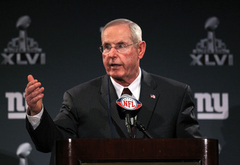 INDIANAPOLIS, IN - JANUARY 30:  Tom Coughlin the head coach of the New York Giants talks to the media during the Giants Super Bowl XLVI Media Availability on January 30, 2012 in Indianapolis, Indiana.  (Photo by Andy Lyons/Getty Images)