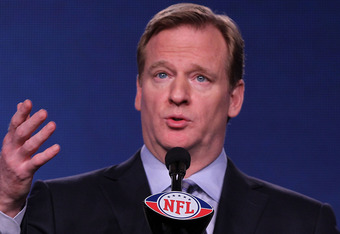 INDIANAPOLIS, IN - FEBRUARY 03:  NFL Commissioner Roger Goodell addresses the media during a news conference ahead of Superbowl XLVI on February 3, 2012 in Indianapolis, Indiana.  (Photo by Jamie Squire/Getty Images)