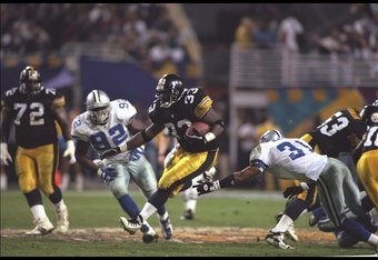 28 Jan 1996:  Running back Bam Morris #33 of the Pittsburgh Steelers moves the ball against the Dallas Cowboys during Super Bowl XXX played at Sun Devil Stadium in Tempe, Arizona.  The Cowboys won, 27-17. Mandatory Credit: Mike Powell  /Allsport