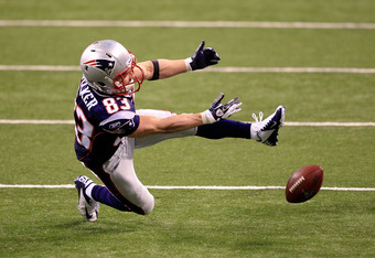 INDIANAPOLIS, IN - FEBRUARY 05:  Wes Welker #83 of the New England Patriots drops a pass in the fourth quarter against the New York Giants during Super Bowl XLVI at Lucas Oil Stadium on February 5, 2012 in Indianapolis, Indiana.  (Photo by Chris Trotman/G