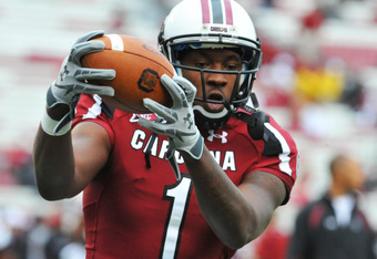 COLUMBIA, SC - SEPTEMBER 17:  Wide receiver Alshon Jeffrey #1 of the South Carolina Gamecocks grabs a warmup pass against the Navy Midshipmen September 17, 2011 at Williams-Brice Stadium in Columbia, South Carolina.  (Photo by Al Messerschmidt/Getty Image