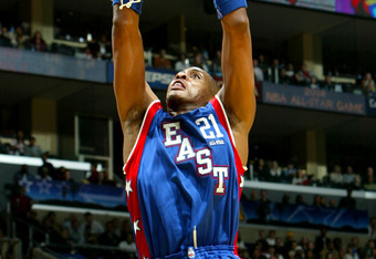 LOS ANGELES - FEBRUARY 15:  Jamaal Magloire #21 from the New Orleans Hornets of the Eastern Conference All-Stars dunks against the Western Conference All-Stars during the 2004 NBA All-Star Game, part of the 53rd NBA All-Star weekend at Staples Center on F