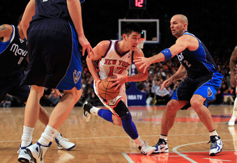 NEW YORK, NY - FEBRUARY 19:  Jeremy Lin #17 of the New York Knicks drives against Jason Kidd #2 of the Dallas Mavericks at Madison Square Garden on February 19, 2012 in New York City. NOTE TO USER: User expressly acknowledges and agrees that, by downloadi