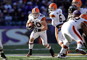 BALTIMORE, MD - DECEMBER 24:  Peyton Hillis #40 of the Cleveland Browns carries the ball against the Baltimore Ravens during the first half at M&T Bank Stadium on December 24, 2011 in Baltimore, Maryland.  (Photo by Rob Carr/Getty Images)