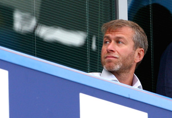 LONDON, ENGLAND - AUGUST 29:  Chelsea owner Roman Abramovich ahead of the Barclays Premier League match between Chelsea and Burnley at Stamford Bridge on August 29, 2009 in London, England.  (Photo by Phil Cole/Getty Images)