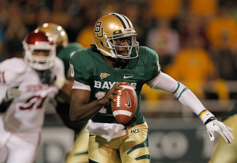 WACO, TX - NOVEMBER 19: Robert Griffin III #10 of the Baylor Bears runs during a game against the Oklahoma Sooners at Floyd Casey Stadium on November 19, 2011 in Waco, Texas.  (Photo by Sarah Glenn/Getty Images)