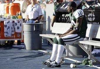 Santanio Holmes on the Bench (courtesy of Yahoo! sports)