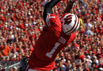 MADISON, WI - SEPTEMBER 10: Nick Toon #1 of the Wisconsin Badgers grabs a touchdown pass over Rashaad Reynolds #16 of the Oregon State Beavers at Camp Randall Stadium on September 10, 2011 in Madison Wisconsin. (Photo by Jonathan Daniel/Getty Images)