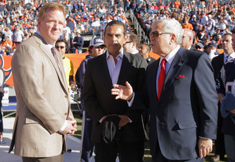 DENVER, CO - DECEMBER 18:  New England Patriots owner Robert Kraft (R) speaks with Los Angeles Mayor Antonio Villaraigosa (C) and NFL Commissioner Roger Goodell (L) prior to a game against the Denver Broncos at Sports Authority Field at Mile High on Decem