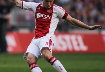 AMSTERDAM, NETHERLANDS - MARCH 25:  Jan Vertonghen of Ajax in action during the Eredivisie match between Ajax Amsterdam and PSV Eindhoven at Amsterdam Arena on March 25, 2012 in Amsterdam, Netherlands.  (Photo by Dean Mouhtaropoulos/Getty Images)