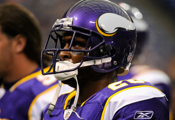 MINNEAPOLIS, MN - AUGUST 27: Antoine Winfield #26 of the Minnesota Vikings looks on before the game against the Dallas Cowboys on August 27, 2011 at Hubert H. Humphrey Metrodome in Minneapolis, Minnesota. (Photo by Hannah Foslien/Getty Images)