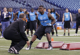 INDIANAPOLIS, IN - FEBRUARY 27: Linebacker Zach Brown of North Carolina takes part in a drill during the 2012 NFL Combine at Lucas Oil Stadium on February 27, 2012 in Indianapolis, Indiana. (Photo by Joe Robbins/Getty Images)