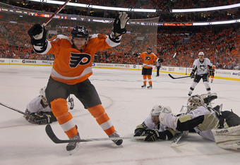 PHILADELPHIA, PA - APRIL 18: Jakub Voracek #93 of the Philadelphia Flyers scores a powerplay goal at 15:52 of the first period agaisnt the Pittsburgh Penguins in Game Four of the Eastern Conference Quarterfinals during the 2012 NHL Stanley Cup Playoffs at