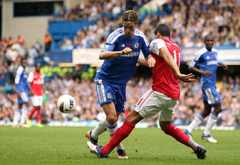 LONDON, ENGLAND - OCTOBER 29:  Fernando Torres of Chelsea in action during the Barclays Premier League match between Chelsea and Arsenal at Stamford Bridge on October 29, 2011 in London, England.  (Photo by Ian Walton/Getty Images)