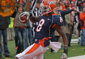 CHAMPAIGN, IL - NOVEMBER 19:  A.J. Jenkins #8 of the Illinois Fighting Illini moves across the end zone against the Wisconsin Badgers at Memorial Stadium on November 19, 2011 in Champaign, Illinois. Wisconsin defeated Illinois 28-17.  (Photo by Jonathan D