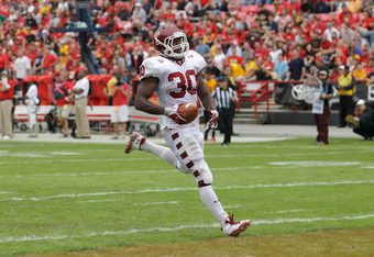 COLLEGE PARK, MD - SEPTEMBER 24: Running back Bernard Pierce #30 of the Temple Owls crosses the goal line for a touchdown against the Maryland Terrapins during the second quarter at Byrd Stadium on September 24, 2011 in College Park, Maryland.  (Photo by