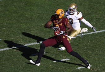 TEMPE, AZ - NOVEMBER 26:  Wide receiver Gerell Robinson #8of the Arizona State Sun Devils runs with the football agianst the UCLA Bruins during the college football game at Sun Devil Stadium on November 26, 2010 in Tempe, Arizona.   The Sun Devils defeate