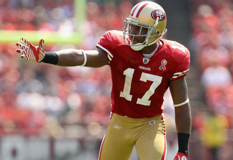 SAN FRANCISCO, CA - SEPTEMBER 11:  Braylon Edwards #17 of the San Francisco 49ers in action during their season opener against the Seattle Seahawks at Candlestick Park on September 11, 2011 in San Francisco, California.  (Photo by Ezra Shaw/Getty Images)
