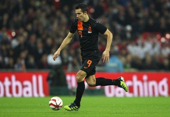 LONDON, ENGLAND - FEBRUARY 29:  Robin Van Persie of Netherlands in action during the international friendly match between England and Netherlands at Wembley Stadium on February 29, 2012 in London, England.  (Photo by David Rogers/Getty Images)