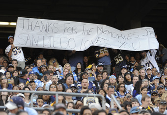 Thousands of Seau's fans turned out for a public memorial.
