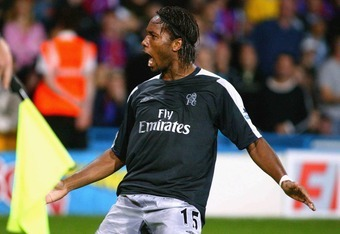 LONDON - AUGUST 24: Didier Drogba of Chelsea celebrates scoring during the Barclays Premiership match between Crystal Palace and Chelsea at Selhurst Park on August 24, 2004 in London. (Photo by Jo Caird/Getty Images)