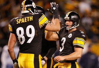 PITTSBURGH - DECEMBER 7:  Jeff Reed #3 and Matt Spaeth #89 of the Pittsburgh Steelers celebrate during their NFL game against the Dallas Cowboys on December 7, 2008 at Heinz Field in Pittsburgh, Pennsylvania. The Steelers defeated the Cowboys 20-13. (Phot