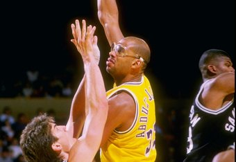 The Lakers of the 1980s had plenty of youth, but they also had veteran Kareem Abdul-Jabbar at center.
