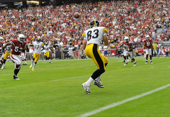 GLENDALE, AZ - OCTOBER 23:  Tight end Heath Miller #83 of the Pittsburgh Steelers catches a touchdown pass against the Arizona Cardinals during their game at University of Phoenix Stadium on October 23, 2011 in Glendale, Arizona.  (Photo by Karl Walter/Ge